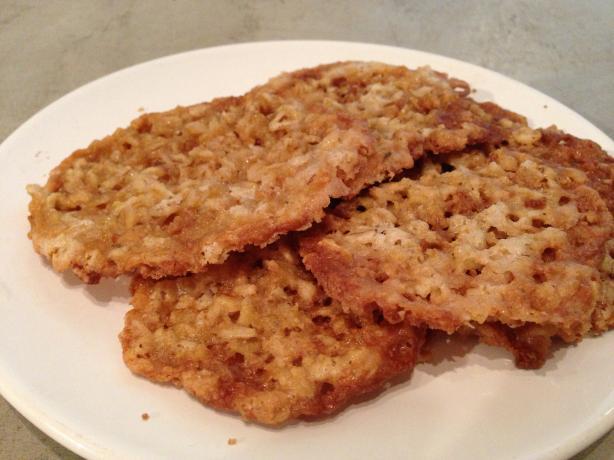 Lacy Oatmeal Crisp Cookies