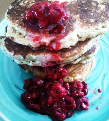 Ricotta-Oat-Bran Pancakes With Raspberry Sauce