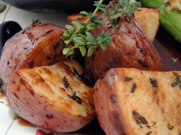 Thyme-Roasted Potato W/ Balsamic Vinegar