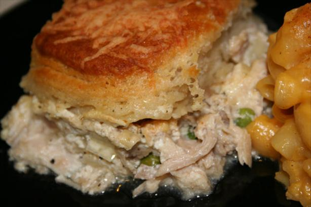 Creamy Chicken and Biscuit Bake