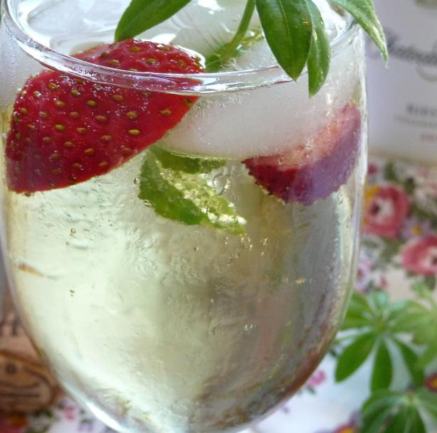 May Wine Punch With Sweet Woodruff (Mai Bowle)