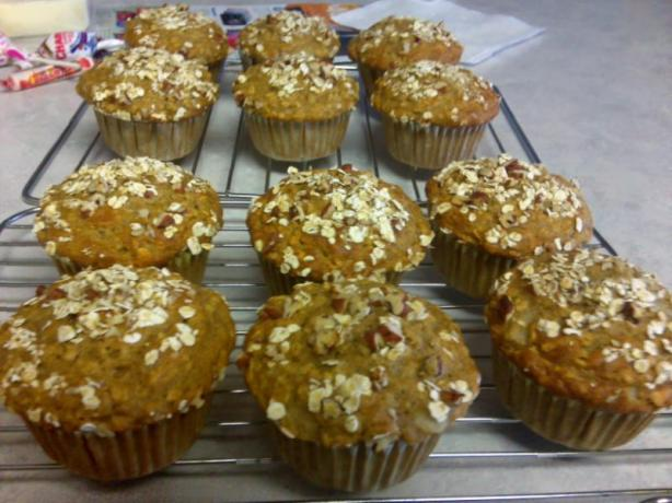 Pear Oatmeal Muffins -- Only 4 Ww Points/Serving!