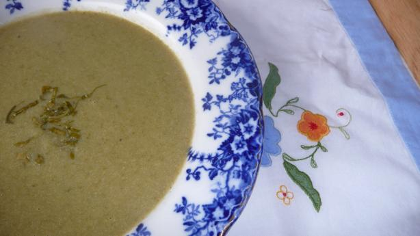 English Cream of Sorrel Herb Soup