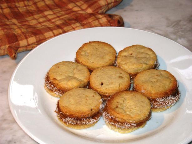 Pecan Dulche De Leche Sandwich Cookies