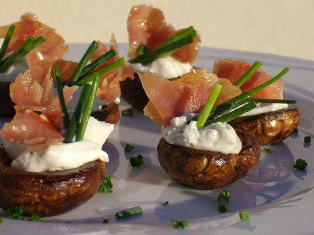 Garlic and Herb Stuffed Mushrooms With Prosciutto