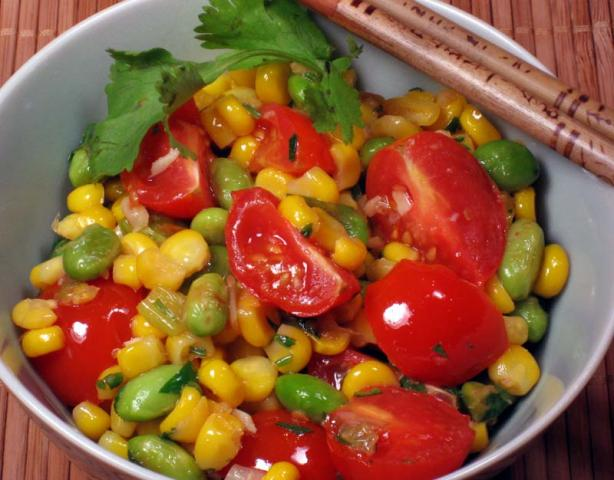 Corn With Tomatoes and Edamame Beans