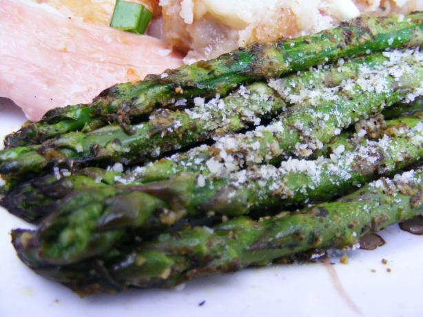 Roasted Asparagus With Pesto