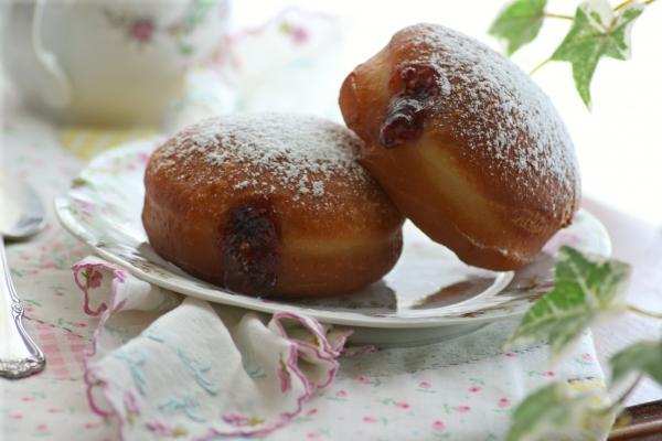 Sufganiyot (Jelly Doughnuts)