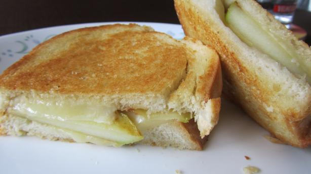 Apple Chedder Panini