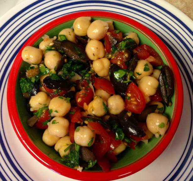 Chickpeas Salad With Black Olives