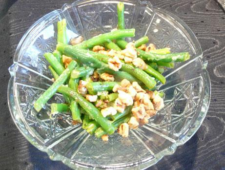Sauteed Green Beans With Lemon and Walnuts