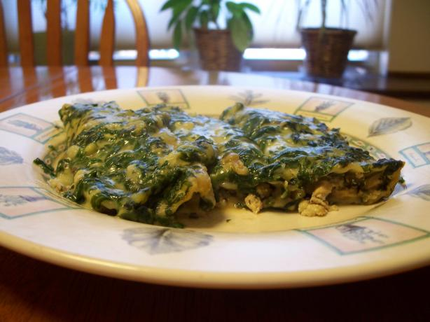 Chicken-Vegetable Manicotti With Spinach Sauce