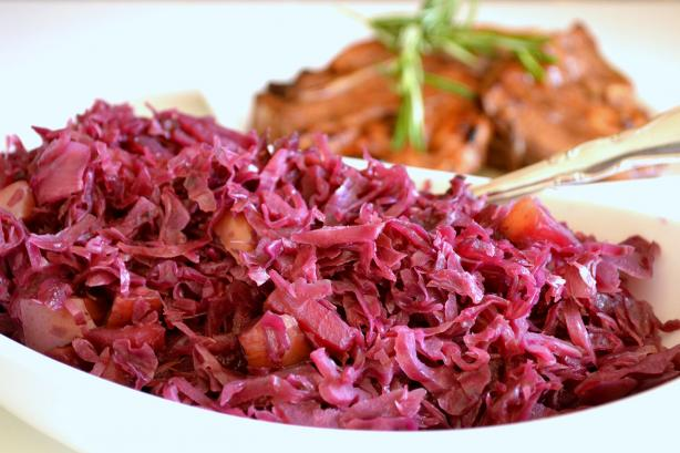 Braised Red Cabbage with Red Onion and Apples