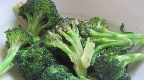 Broccoli Sauté With Garlic and Olive Oil