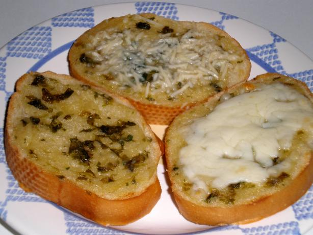 Fresh Basil Roasted Garlic Toast