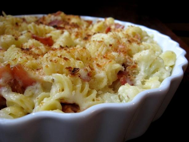 Parmigiano-Crusted Rigatoni W/Cauliflower & Bacon