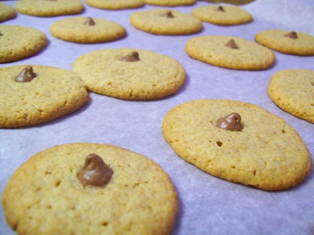 Ww Peanut Butter Cookies With Chocolate Centers Points+ 2