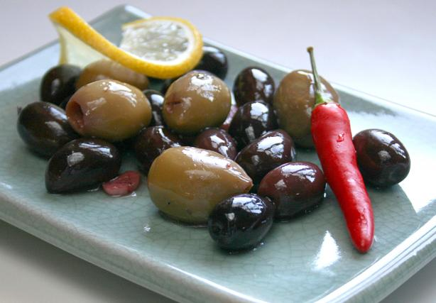 Marinated Black Olives (Tapas)