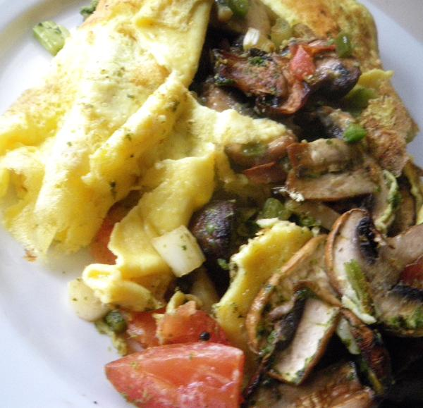 Garlicky Mushroom Masala Omelet