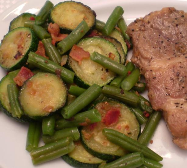 Green Beans With Zucchini and Bacon