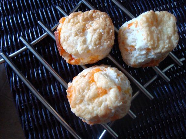 Red Lobster Cheddar Biscuits