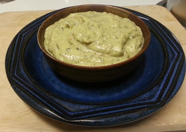 """""""Sour Cream"""" Avocado Dip (vegan)"""