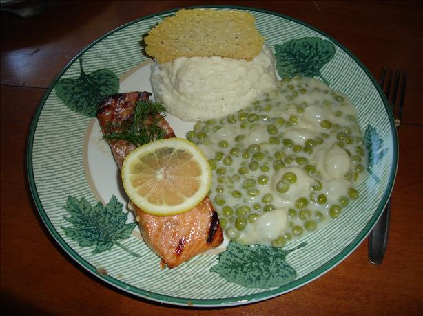 Momma Dips Creamed Peas With Pearl Onions