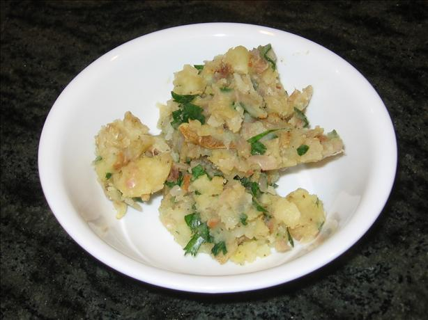 Kartoffelsalat (Warm German Potato Salad)