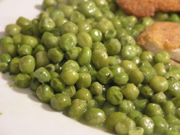 "North Croatian Green Peas Stew (""grasak Cuspajz"")"