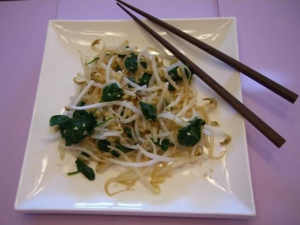 Bean Sprout And Spinach Salad