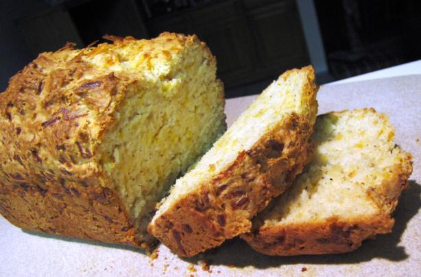 Cracked Black Pepper Cheese Bread