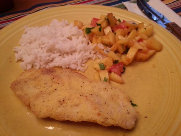 Low-Fat Cornmeal Chicken With Fresh Peach Salsa