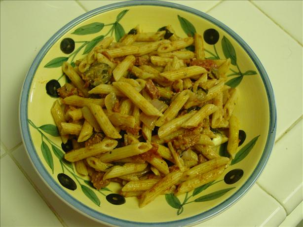 Penne Pasta With Tomatoes, Herbs and Blue Cheese