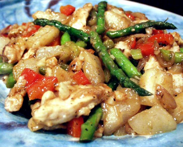 Chicken Stir-Fried With Bosc Pears