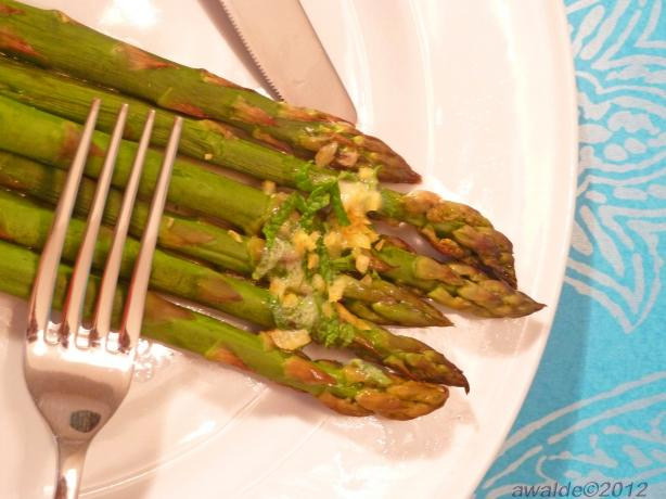 Asparagus With Butter Lemon and Mint Drizzle