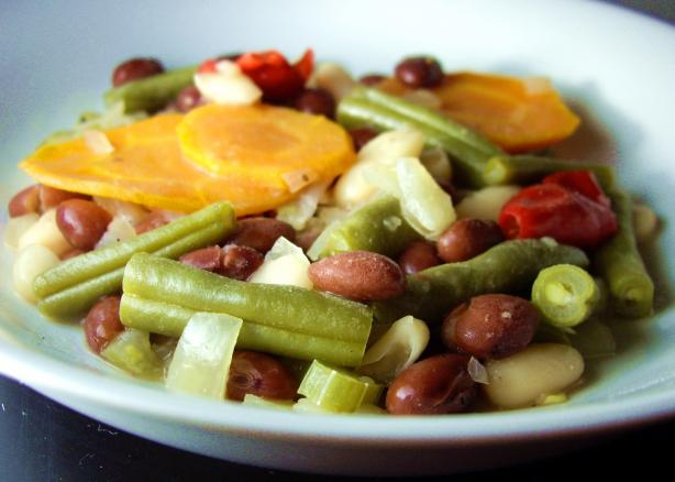 Mediterranean Style Beans and Vegetables (Crock Pot)