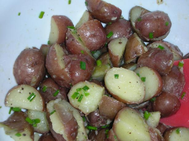 Red Potatoes With Butter and Chives