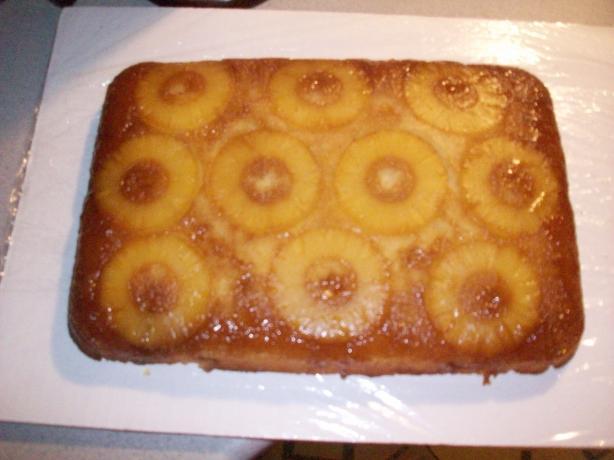 Poohrona's Pineapple Upside-Down Cake