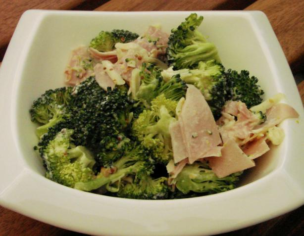 Lunchbox Broccoli, Ham & Cheese Salad