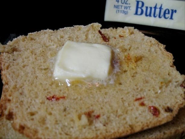 Sun-Dried Tomato and Garlic Bread (ABM)