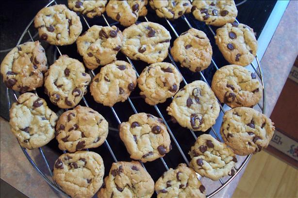 Chewy Delicious Chocolate Chip Cookies