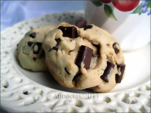 Chunky Chocolate Chip Walnut Cookie