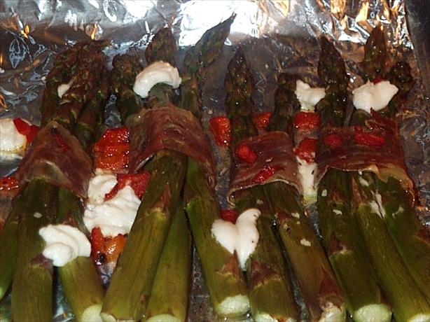 Asparagus Bundles With Prosciutto & Goat Cheese
