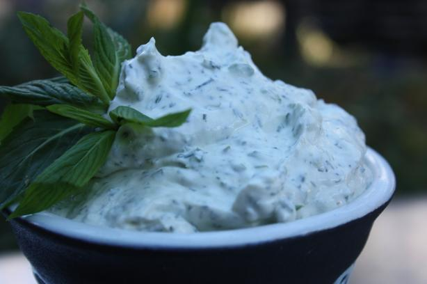 Summer Herb Dip (German)