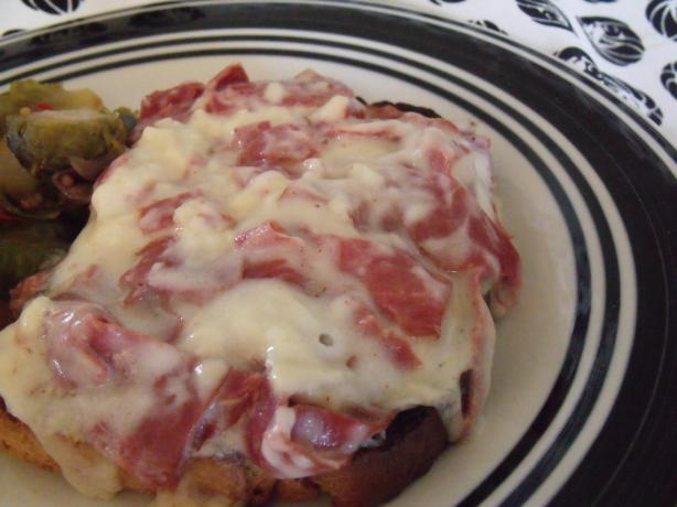 Creamed Chipped Beef on Toast - Cayenne Kick