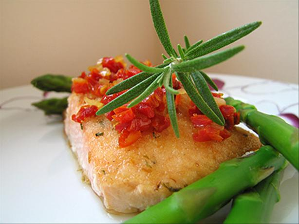 Herbed Salmon Fillets With Sun-Dried Tomato Topping