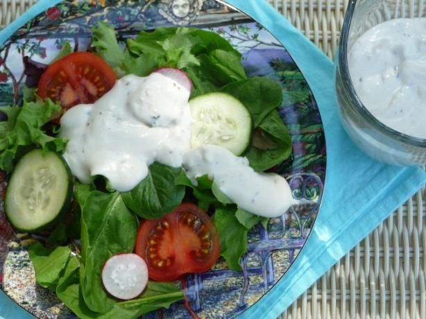 Creamy Roquefort Salad Dressing