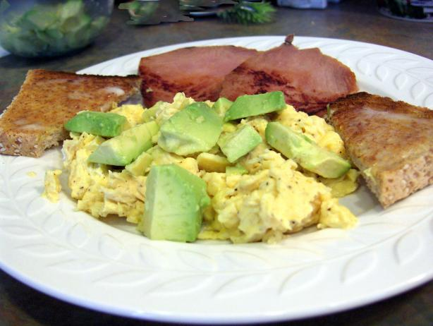 Low-Fat Scrambled Eggs W/ Avocado