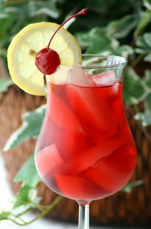 Malibu & Cranberry Cocktail