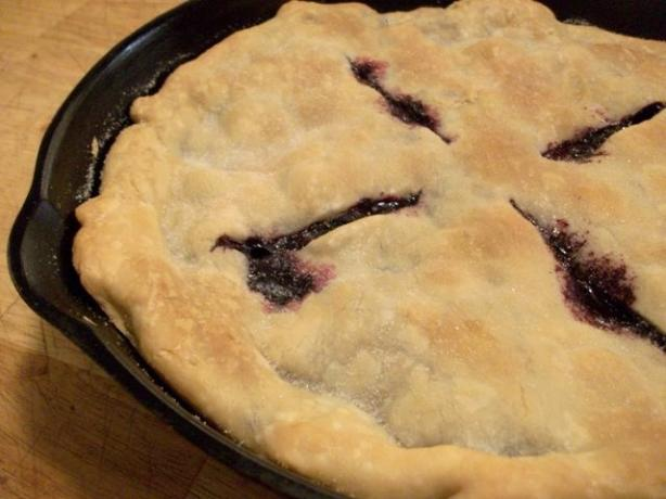 Johnny Jalapeno's Cast-Iron Blueberry Pie